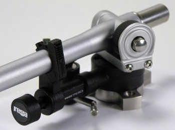 RB700 - tonearm (without phono cartridge)